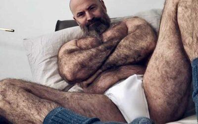 Gay mature poilu